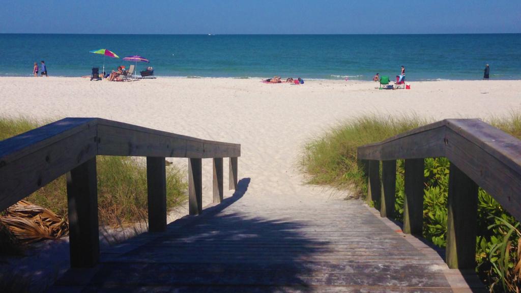 10th Ave S beach access ramp